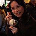 奶油不甜不膩  搭配冰淇淋  好吃