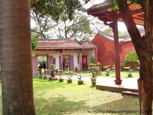 台南窄門、孔廟及附近商店