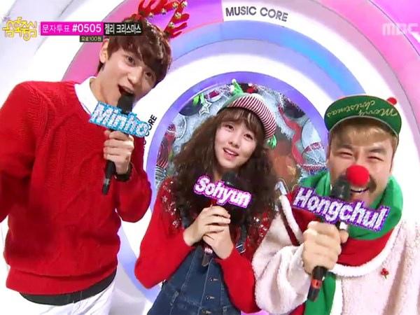 EXO,龍俊亨…等音中熱唱!