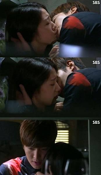 """李敏鎬""""戲中對朴信惠激吻時沒能提前告訴她 很抱歉"""""""