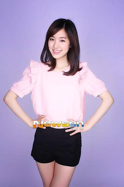 演員陳世妍在1月6日下午為了逃避所處大樓的火警,選擇跳樓逃生,幸無大礙。