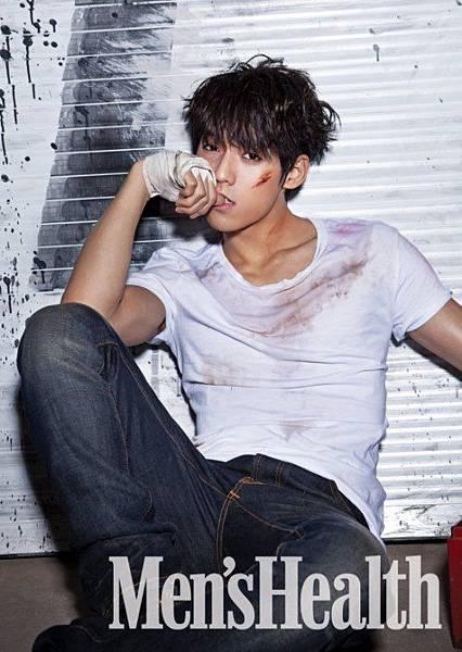 BTOB 成員旼赫最近為男性雜誌拍攝畫報時大秀腹肌