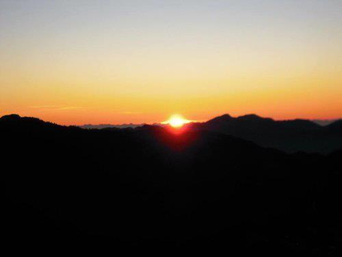 合歡山觀奇萊山日出20120702