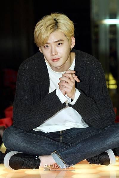 通過電影「熱血青春」轉型的演員李鍾碩