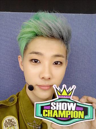 Seung Jin01