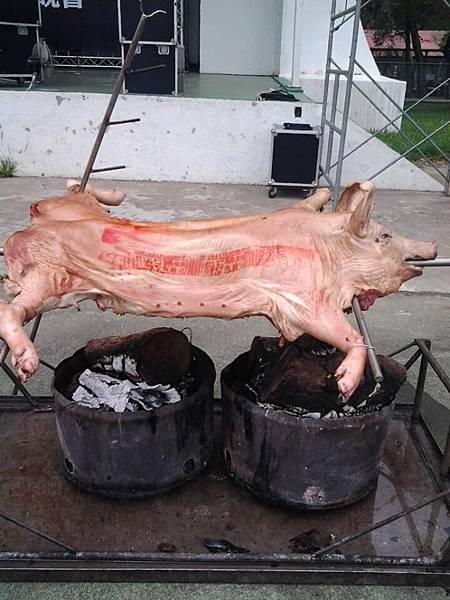 烤全豬(大豬陳宏陽0912-665770 烤全豬