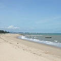 Phala Beach,往左看都是工業區