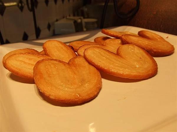 愛心餅乾,超可愛,但是軟掉很難吃