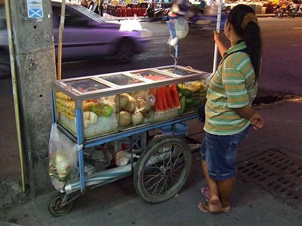 路邊的水果小販