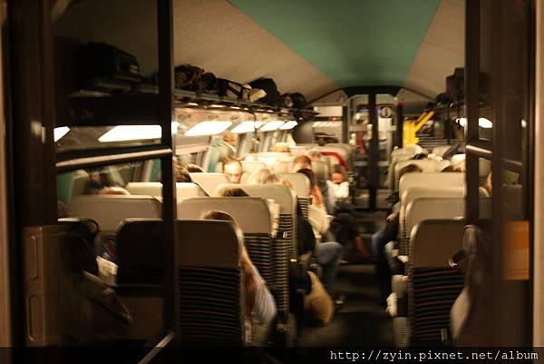 [5/19] TGV 車上