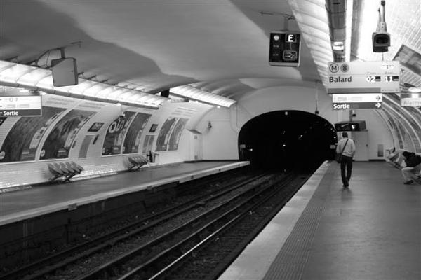 [05/17] 巴黎捷運