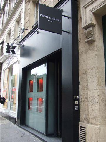 知名甜品店 Pierre Hermé Paris