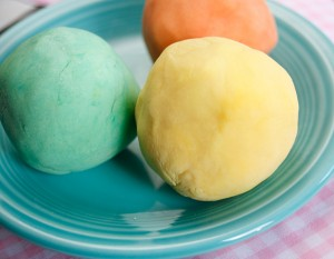 homemade_playdough_main-300x233