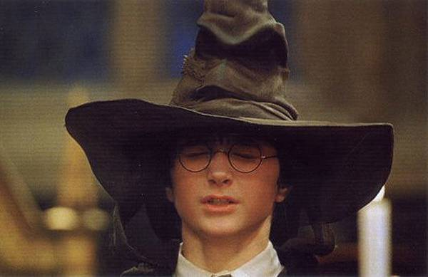 Harry_Potter_and_the_sorting_hat