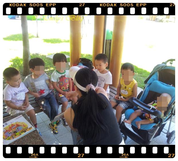 0821-Baby PG@扶輪公園 玩彩色鹽巴 (11)