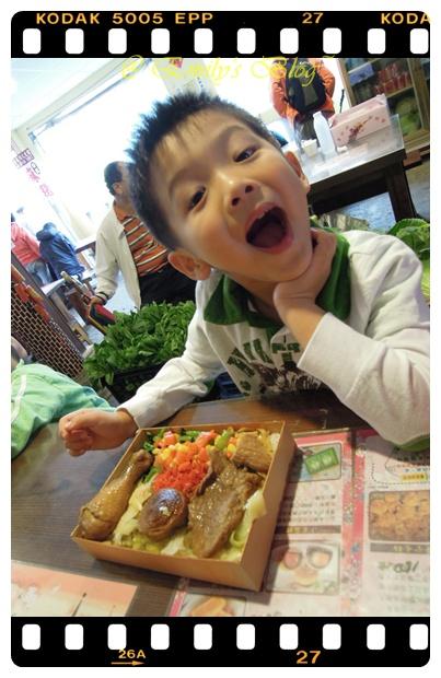 3。還好,阿良鐵路便當不知道是我肚子餓了,還是怎麼地.....,真的好吃呀!
